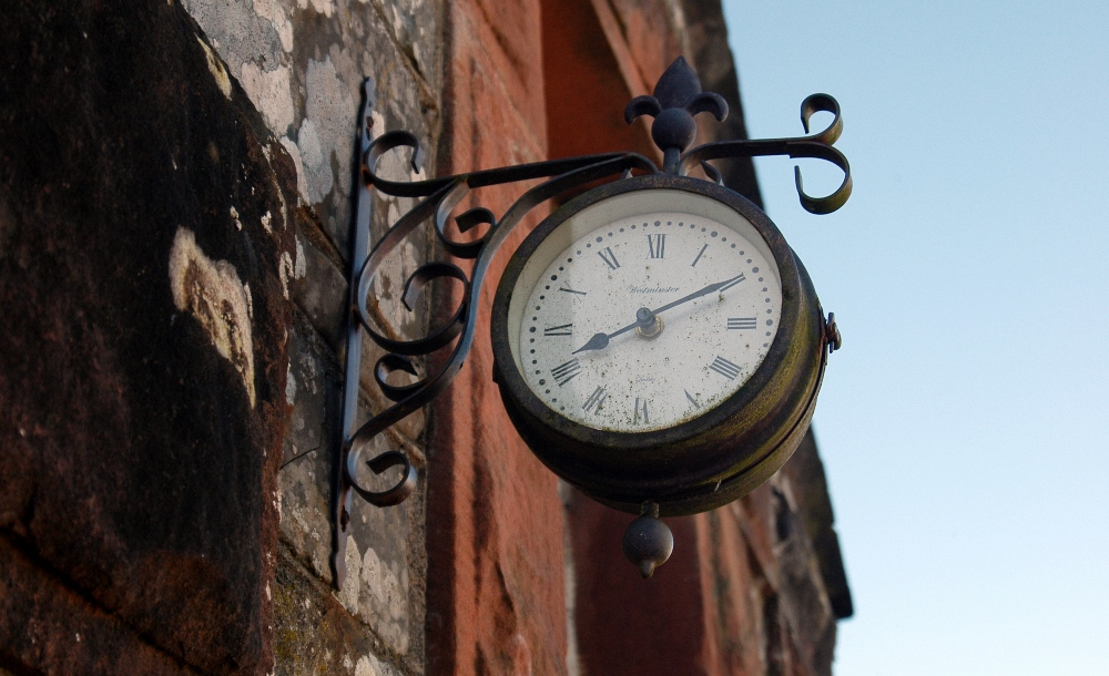 Glenesslin Schoolhouse - Clock